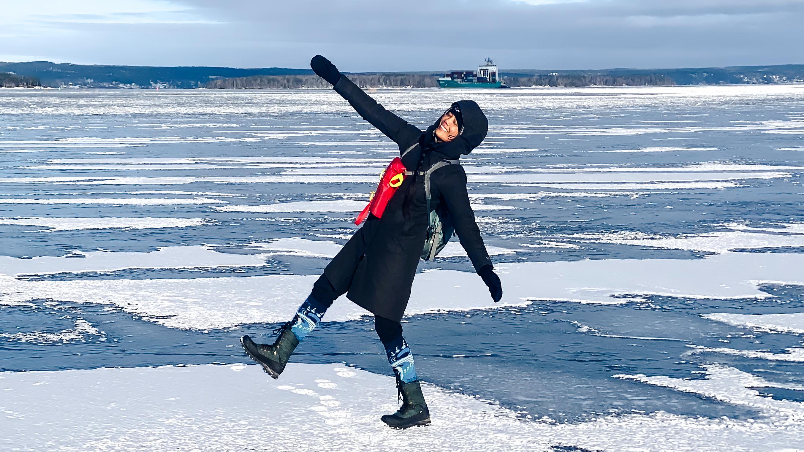 Yahnny happy on ice